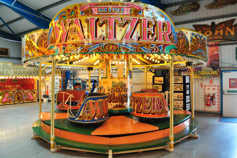 mini-waltzer-fairground-ridemain
