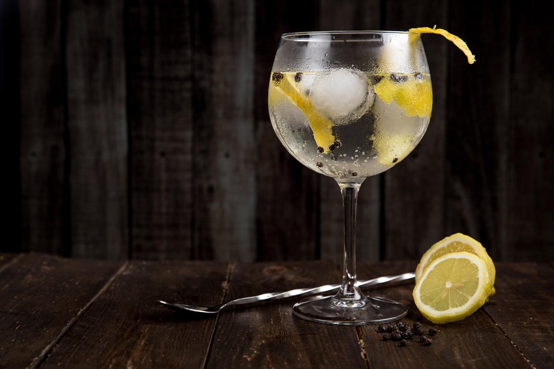 alcohol-beverage-blur-616836